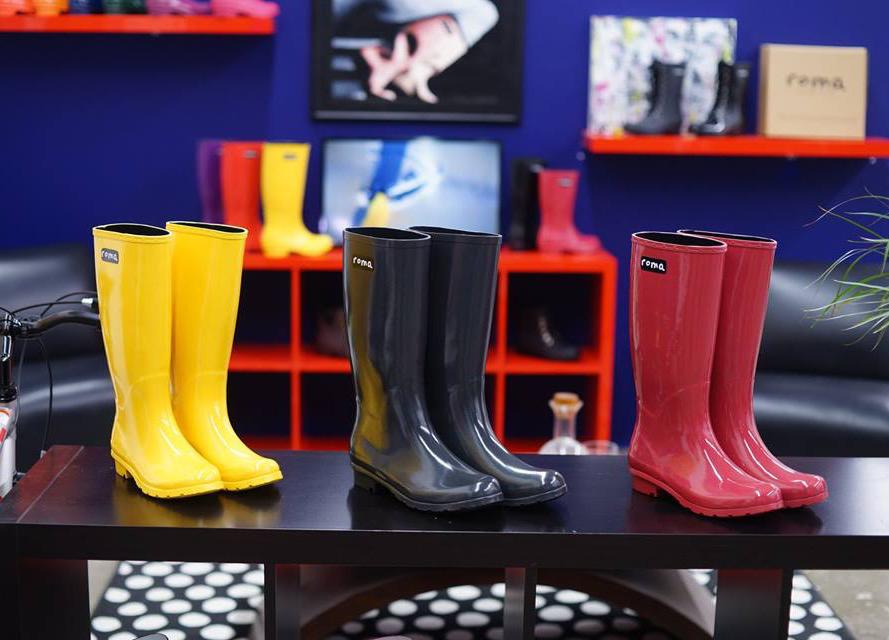 Roma boots. Photo by Rasy Ran.