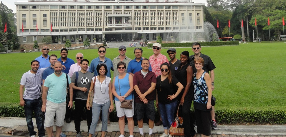 EMBA and GLEMBA Students in front of Reunification Palace in Ho Chi Minh City. Students from the GLEMBA and EMBA classes work at companies including Ericsson, Lennox, Jacobs, TI, Hilti, Infosys, Diodes and Intel.